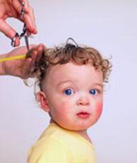 Когда можно стричь волосы ребёнку первый раз